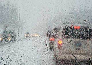 Driving in the Monsoon - How to Overcome Wet Roads