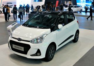 Hyundai Grand i10 Price (Check July offers), Images, Reviews, Mileage