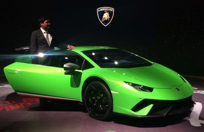 lamborghini huracan performante launched at rs crore. Black Bedroom Furniture Sets. Home Design Ideas