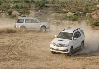 ford-endeavour-vs-toyota-fortuner-comparison-test
