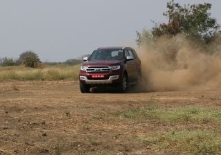 brawn-and-brains-ford-endeavour-22-at-4x2-expert-review