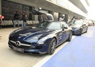 driving-at-the-mercedes-amg-academy
