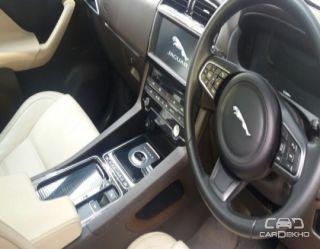 2017 Jaguar F-Pace Prestige 2.0 AWD