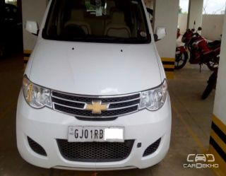 2013 Chevrolet Enjoy Petrol LS 8 Seater