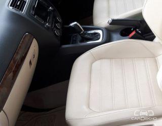 2013 Volkswagen Jetta 2011-2013 2.0L TDI Highline AT